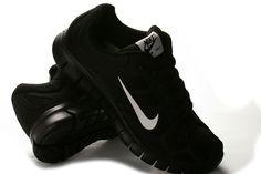 Sorte Nike Free run str. Nike Free Runs, Sneakers Nike, Running, Shoes, Fashion, Tangier, Nike Tennis, Moda, Shoe