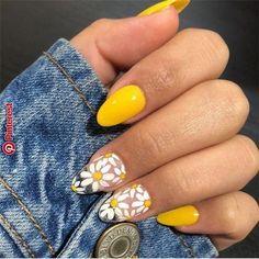 - Nail art - 23 Great Yellow Nail Art Designs 2019 – Idee per unghie a mano - Nail Design Stiletto, Nail Design Glitter, Yellow Nails Design, Yellow Nail Art, Purple Nail, Color Yellow, Glitter Nails, Pastel Nail Art, Big Yellow