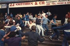 Another casual jaunt down memory lane, photos from the mid eighties from the top Leeds at Wigan , law enforcement at Birmingham. Soccer Fans, Football Fans, Blackpool Pleasure Beach, Leeds United Fc, Wigan Athletic, British Football, Sergio Tacchini, Football Casuals, Rochdale