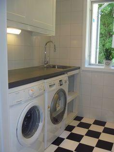 Duschrum/Tvättstuga i Kumla Laundry Room Design, Laundry Rooms, Build My Own House, Laundry Room Inspiration, Small Laundry, Washroom, Home Hacks, Bathroom Renovations, Kitchen Decor