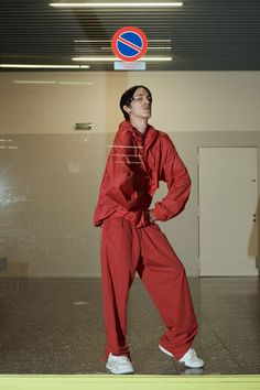 See the complete Vetements Spring 2018 Ready-to-Wear  collection.