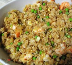 Shrimp fried rice is really a simple and almost bland-looking recipe, but I think you'll be surprised if you taste it. Asian Recipes, New Recipes, Cooking Recipes, Favorite Recipes, Healthy Recipes, Rice Recipes, Yummy Recipes, Dinner Entrees, Dinner Menu