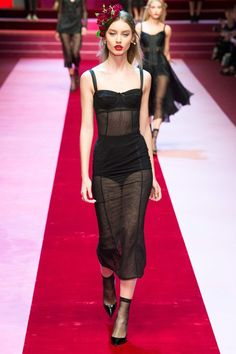 Milano Fashion Week: Dolce & Gabbana giocano con un mazzo completo - Notizie : Sfilate (#873139)