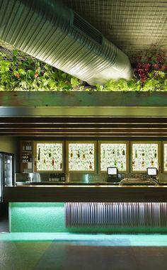 Tim Stewart Architects Rail Room Bar, Brisbane- Australia #timstewartarchitects #greenwall #bar #hospitalityarchitecture