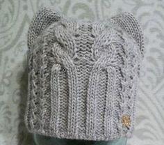 Женская шапка Кошка спицами. Схема, описание