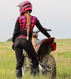 Nothing hotter than a girl and a dirt bike