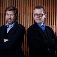 Näytelmä tarkastelee palvelijuutta – onko se vain ammatti vai ihmisessä syvemmällä oleva luonne? Helsingin kaupunginteatterin Arena-näyttämöllä 12.12.2015 asti.