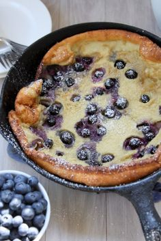 Brown Butter Blueberry Dutch Baby | http://www.thekitchenpaper.com/brown-butter-blueberry-dutch-baby/