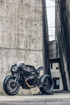 Bavarian Fistfighter / BMW R nineT by Rough Crafts via derestricted.More bikes here.