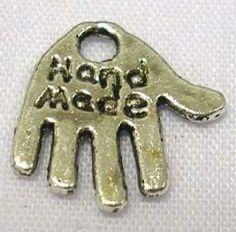 colgante en forma de palma de la mano