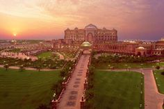Top 15 attractions in Abu Dhabi,Emirates Palace