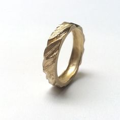 9ct gold 'Ripple' ring   Contemporary Rings by contemporary jewellery designer Clara Breen