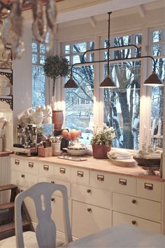 Cozy kitchen love the idea of old mail box/file drawers! Cozy Kitchen, New Kitchen, Kitchen Dining, Kitchen Decor, Swedish Kitchen, Kitchen Corner, French Kitchen, Kitchen Modern, Vintage Kitchen