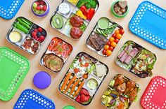 Packing your lunchboxes for work or school—but trying to steer clear of junk food? Here are my favorite healthy Paleo lunches for when you're on the go!