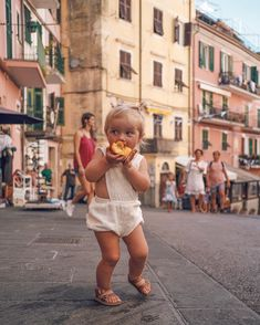 Exploring Cinque Terre, one peach at a time 🍑 New Soul, Beach Kids, Baby Fever, Family Photography, Little Ones, Cute Babies, Kids Fashion, Hipster, Cinque Terre