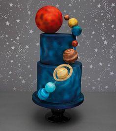 Luca's birthday cake (planet theme) Bolo Do Sistema Solar, Solar System Cake, Galaxy Desserts, Airbrush Cake, Planet Cake, Dessert Oreo, Astronaut Party, Galaxy Cake, Space Party