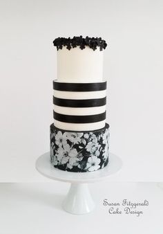 Black and White Floral (from Cake This Again Collaboration) by Susan Fitzgerald Cake Design