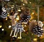 DIY christmas decorations - pine cones