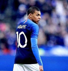 Kylian Mbappe World Cup Champion Football 2018, Football Fever, Football Icon, Football Soccer, Football Players, Champion Du Monde Foot, Mbappe Psg, World Cup Champions, Fifa 20