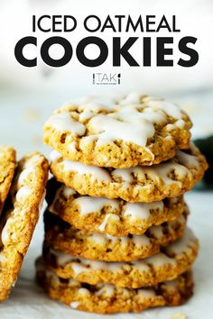These Iced Oatmeal Cookies are just the right amount of crunchy and chewy, and full of buttery, vanilla goodness. A bit of cinnamon adds warm and cozy vibes, while that white vanilla icing provides both a beautiful and delicious touch. This recipe requires fewer steps and ingredients than those other recipes out there and guarantees flawless, addictively delicious results! Iced Oatmeal Cookies are perfect for holiday gift-giving or curing simply your sweet tooth cravings! Best Christmas Cookie Recipe, Holiday Cookie Recipes, Best Cookie Recipes, Pumpkin Recipes, Bar Recipes, Christmas Cookies, Best Chocolate Chip Cookies Recipe, Oatmeal Cookie Recipes, Homemade Cookies