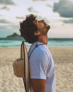 Beach Photography Poses, Portrait Photography Men, Beach Poses, Beach Fashion Photography, Happy People Photography, Mens Photoshoot Poses, Beautiful Men Faces, Instagram Pose, Male Poses