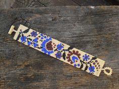 peyote bead bracelet kalocsai flover bracelet by BeautyBeadwork