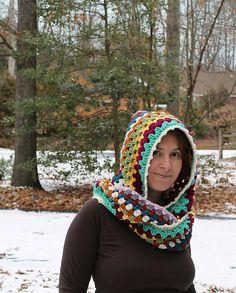 Ravelry: Harlequin Hoodie pattern by Marken of The Hat & I Crochet Hooded Cowl, Crochet Shrug Pattern, Crochet Patterns, Cowl Patterns, Hooded Scarf, Crochet Ideas, Crochet Scarves, Crochet Hats, Crochet Blankets