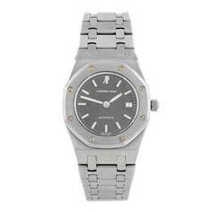 LOT:1 | AUDEMARS PIGUET - a lady's stainless steel Royal Oak bracelet watch.