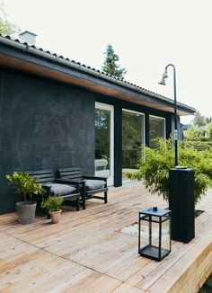 Fra ruin til stilren terrasse - Boligliv - ALT. Outdoor Living Rooms, Outside Living, Outdoor Spaces, Haus Am See, Outdoor Life, Outdoor Decor, Backyard Retreat, Facade House, My Dream Home