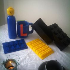 https://flic.kr/p/z66nmA | Everything is AWESOME ! My BIRTHDAY Present ..... VERY Funny lunch box, lunch bottle, ICE figure and my Lego lunch Cup !
