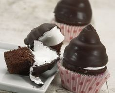 Hi Hat Cupcakes: step-by-step directions and tips.