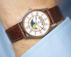 Moon wristwatch unisex unused men's quartz watch Ray by SovietEra