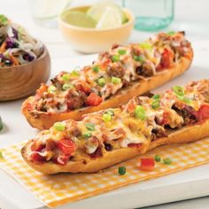 Tex-Mex-Baguette – Abendessen am Wochenende – Rezepte – Express-Rezepte – Pratico Pratique Wrap Recipes, Beef Recipes, Cooking Recipes, Tex Mex, Naan, Pita, Good Food, Yummy Food, Pub Food