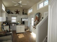 399 Sq Ft Dallas Cottage - TINY HOUSE TOWN