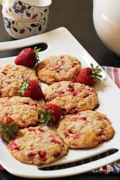 Strawberry Oatcakes | Good Cheap Eats  Brighten someone's morning with a batch of these buttery Strawberry Oatcakes. They're hearty, flavorful, and not too sweet -- a perfect start to the day!  http://goodcheapeats.com/2016/05/strawberry-oatcakes/