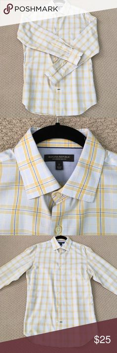 *Perfect Condition* Banana Republic Non-Iron This yellow and blue plaid patterned button-down from Banana Republic is in perfect condition! It's never been worn and is a non-iron slim fit. Size Small Banana Republic Shirts Dress Shirts