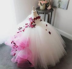 Falling Petals Flower Girl's Dress Full Leng Order Kids Children's Ball Gowns Dresses True Style Never Dies Girls Pageant Dresses, Gowns For Girls, Dresses Kids Girl, Girls Party Dress, Birthday Dresses, Baby Dress, Baby Girl Birthday Dress, Flower Girl Gown, Princess Flower Girl Dresses