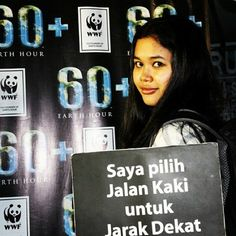 The statement - image by @rkarlts in Indonesia. What are you willing to do to save the planet? All our actions, both big and small, add up to change the world we live in. Take an image of you completing your own #IWIYW challenge or one you accepted for #EarthHour 2012. Dare the World to Save the Planet