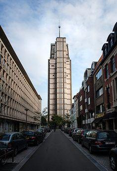 DEN OUDAAN Exclusieve rondleiding! Ontdek de mooiste verdiepingen van de iconische politietoren, bezoek het politiemuseum en geniet van een uniek vogelperspectief op Antwerpen.