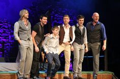 Accents? Angelic voices? Heartfelt music? Multiple attractive men and an adorable little boy?...must be Celtic Thunder! The Celtic Thunder group I saw during their USA Tour at the Greek Theater in LA