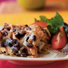 Black Bean and Chicken Chilaquiles Recipe-Under 300 Calories per serving! Chicken Chilaquiles, Chicken Nachos, Chicken Enchiladas, Mexican Dishes, Mexican Food Recipes, Dinner Recipes, Mexican Meals, 300 Calories, Chicken