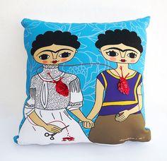 Pillow Frida Kahlo, 2 Fridas