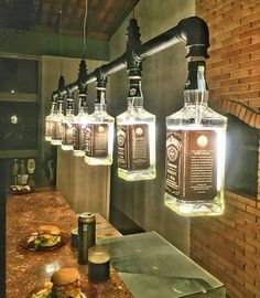 Lustre Industrial de garrafas Jack Daniel's Mais for his man cave Kitchen Lighting Fixtures, Light Fixtures, Kitchen Chandelier, Lustre Industrial, Industrial Style, Kitchen Industrial, Industrial Lighting, Industrial Man Cave Ideas, Industrial Closet