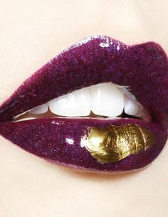 Gorgeous purple lips...<3