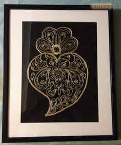Coração de Viana bordado em dourado