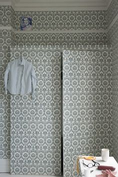 Farrow & Ball ~ Brocade is an elegant design with gothic influence and elaborate detailing of ornate floral, thistle and leaf motifs. Available in 10 colourways. Free Wallpaper Samples, Damask Wallpaper, Paper Wallpaper, White Wallpaper, Colorful Wallpaper, Wallpaper Ideas, Farrow Ball, Farrow And Ball Paint, Home Design