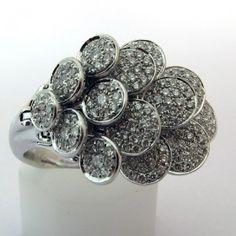 Bague originale en or blanc pavée de diamants 693 #ring #bague #vintage http://www.bijoux-bijouterie.com/