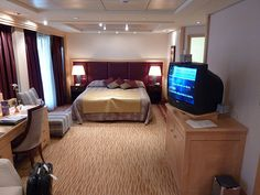 CUNARD QM2 QUEEN MARY 2 Q4 PENTHOUSE SUITE visit my site http://www.tipsfortravellers.com for more