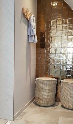 Dream Bathrooms, Beautiful Bathrooms, Bathroom Toilets, Indoor Outdoor Living, Bathroom Inspiration, Sweet Home, New Homes, House Design, House Goals