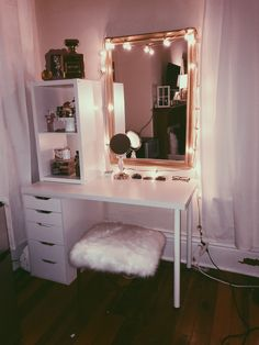 Vanity bedroom decor